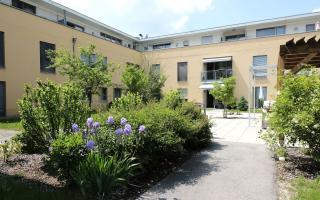 Casa Guntramsdorf Pflegewohnhaus, Blick in den Innenhof